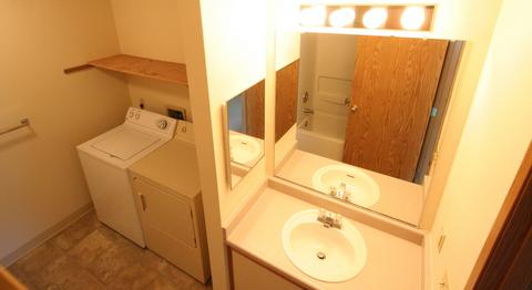 Bathroom US 3 Sink WnD