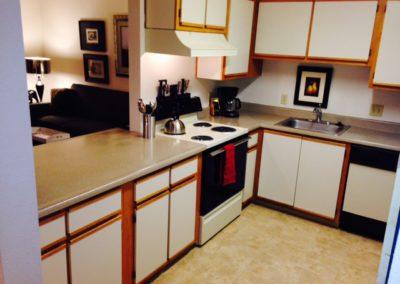 three bedroom dining kitchen bar